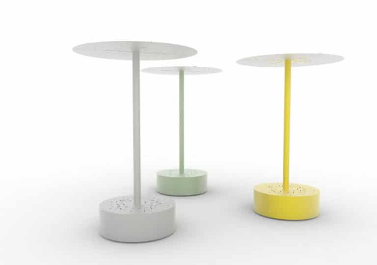 Trois bancs galet abrités XL LUD : un gris, un vert et un jaune