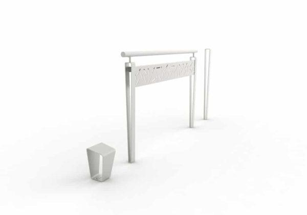 Une borne LUD, une barrière LUD et un potelet LUD, tous les trois gris
