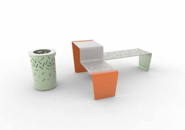 Une corbeille LUD verte, une table gigogne LUD orange et une banquette LUD verte