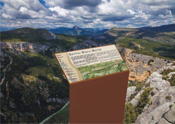 Incrustation d'un pupitre - table de lecture ICARE en 3D dans un environnement réel : ici, un bord de falaise