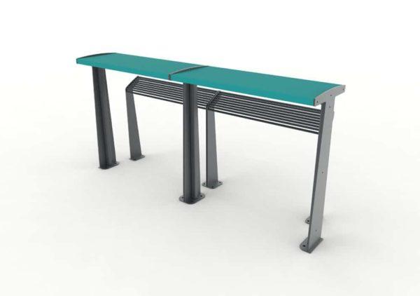 Deux tables bar TUB bleues accolées avec leurs assis-debout TUB gris