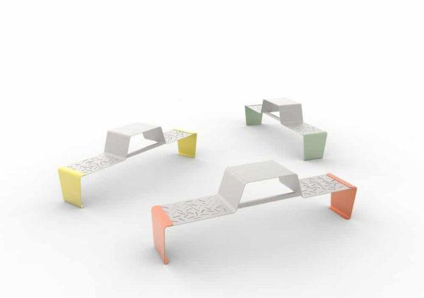 Trois tables gigogne duo LUD : une jaune, une orange et une verte