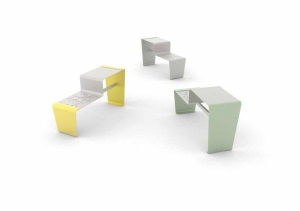 Trois tables gigogne LUD : une jaune, une grise et une verte