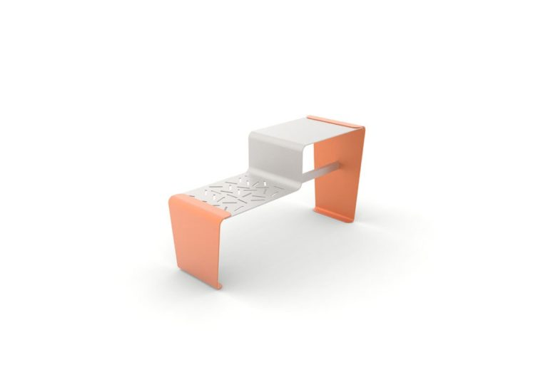 Une table gigogne LUD orange