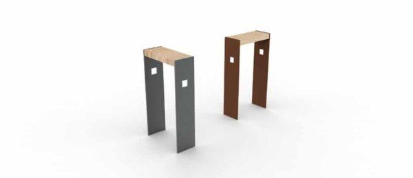 Deux assis-debout CUB : un gris à gauche et un marron à droite
