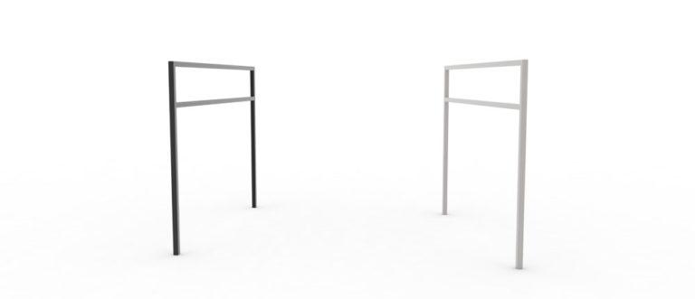 Deux barrières PUR qui se font face : l'une noire, l'autre en acier inoxydable