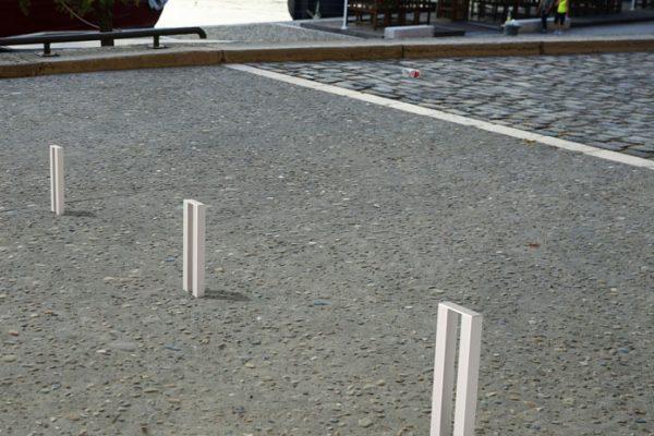 Insertion 3D de bornes PUR en acier inoxydable dans un environnement urbain