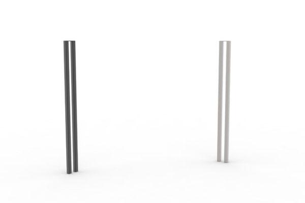 Deux potelets PUR qui se font face : un noir à gauche et un en acier inoxydable à droite