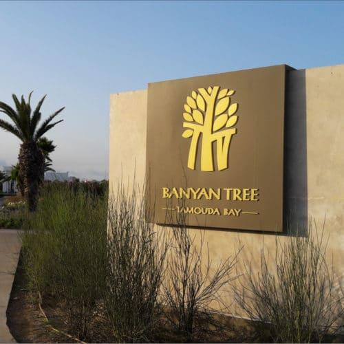 signalétique en pierre pour hôtel de luxe banyan tree par polymobyl