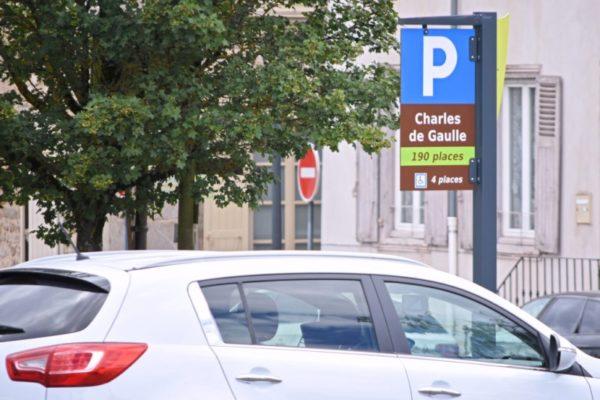 panneau signalétique parking